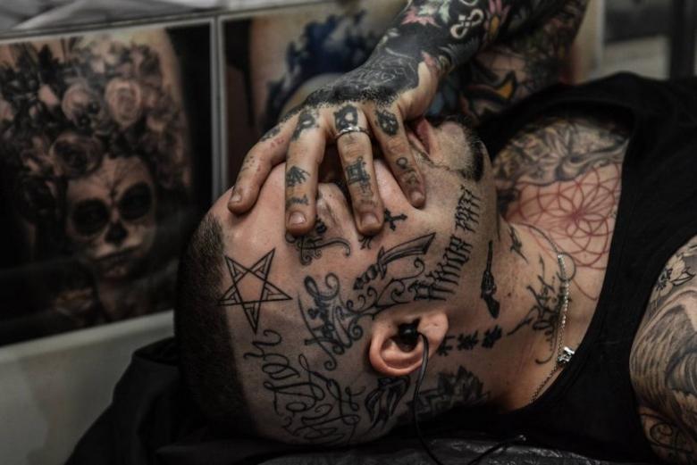 Применение анестезии в татуировочном процессе